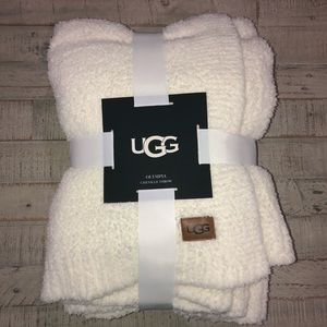 UGG Olympia Chenille Throw